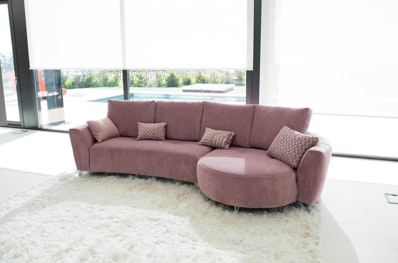 Valentina sofa Fama 2017 01