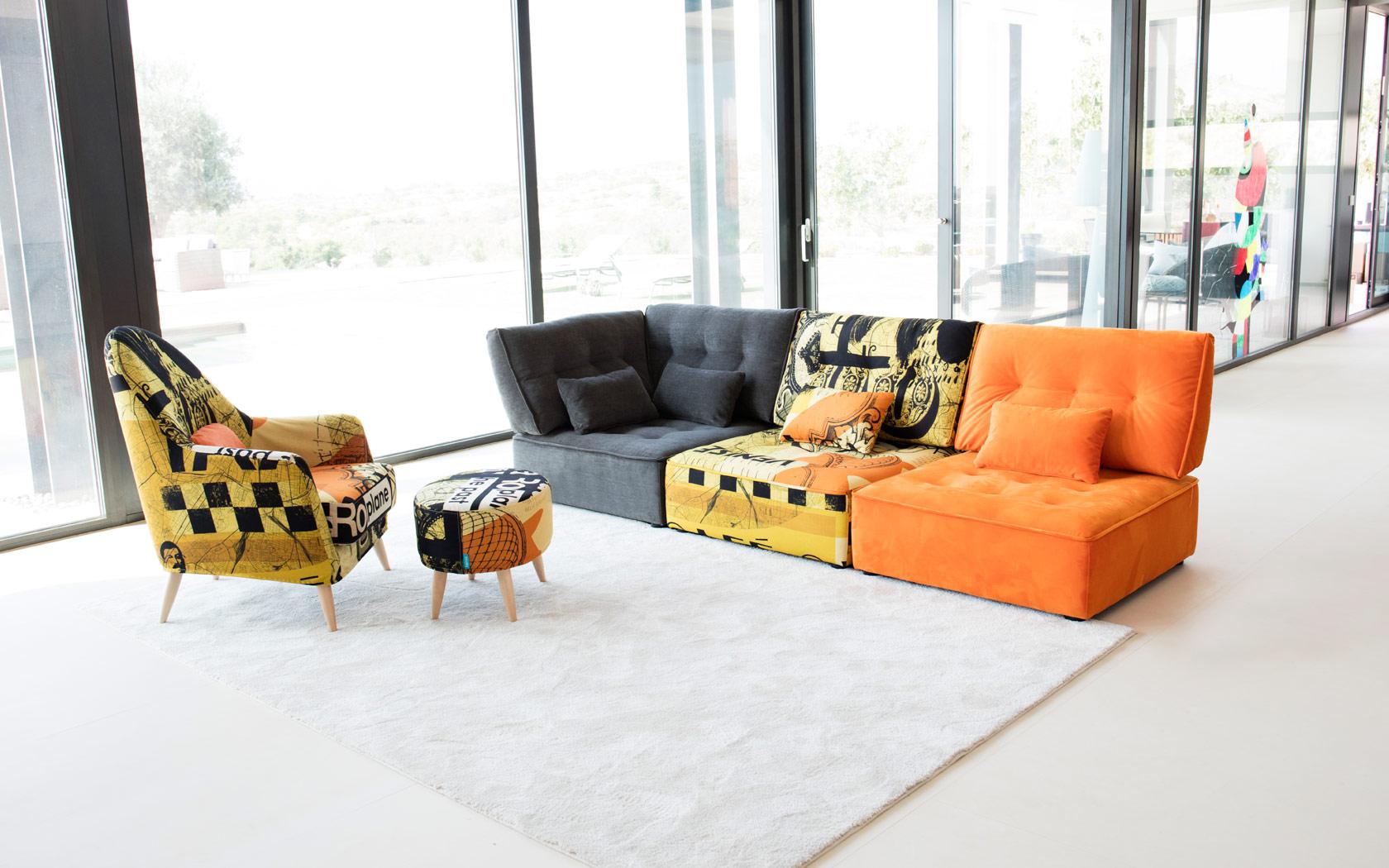 Arianne Love sofa Fama 2019 07
