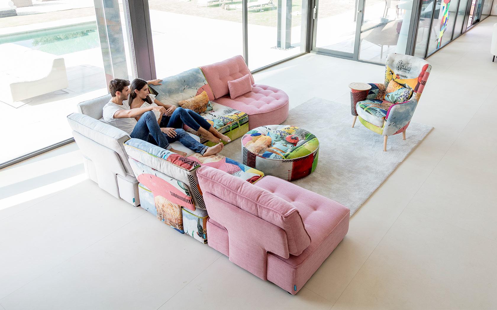 Arianne Love sofa Fama 2019 10