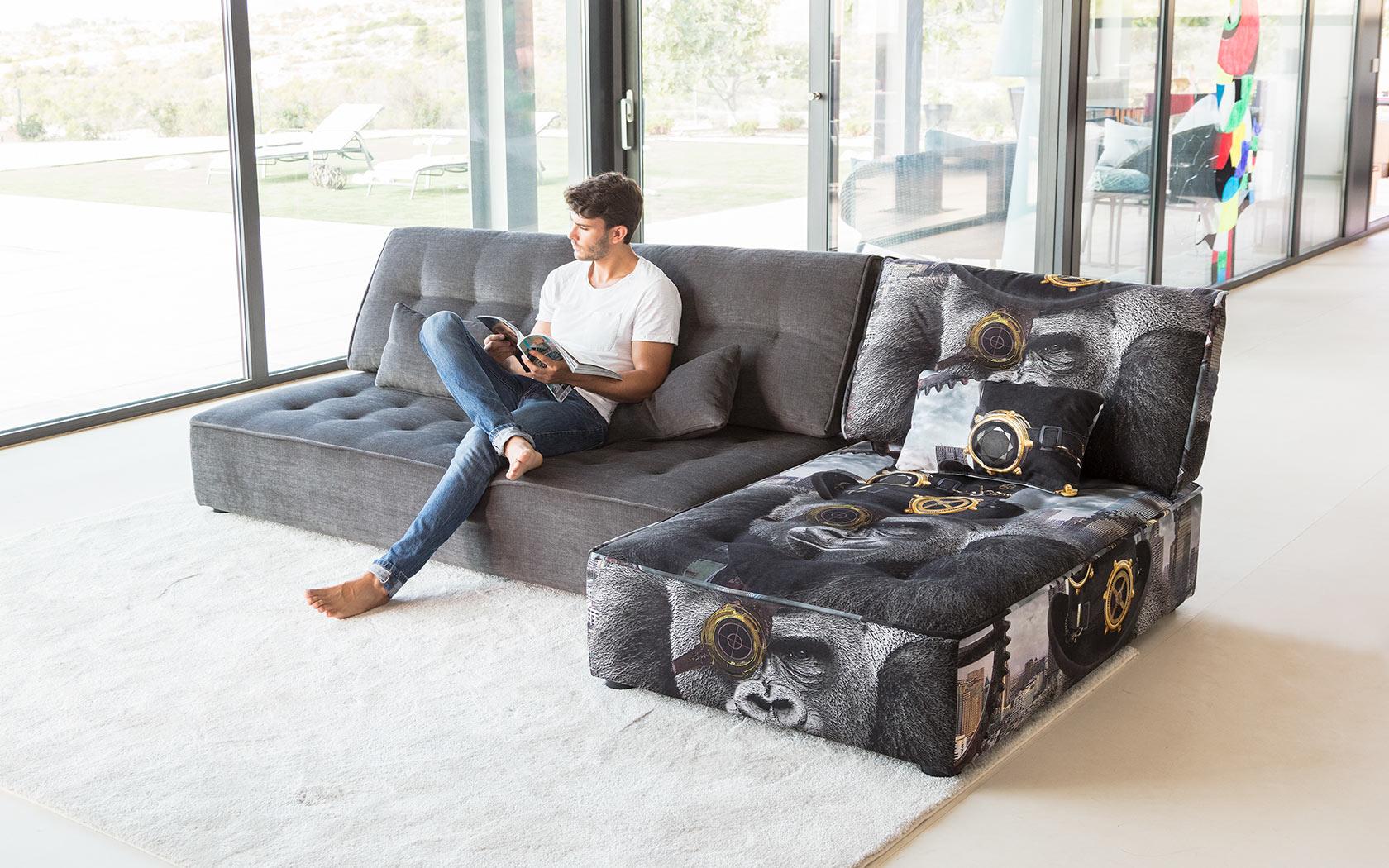 Arianne Love sofa Fama 2019 12