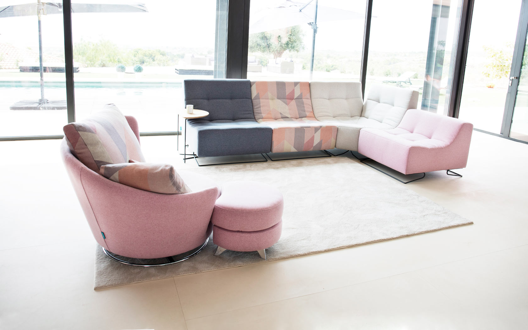 Luci Pop sofa fama 2019 11