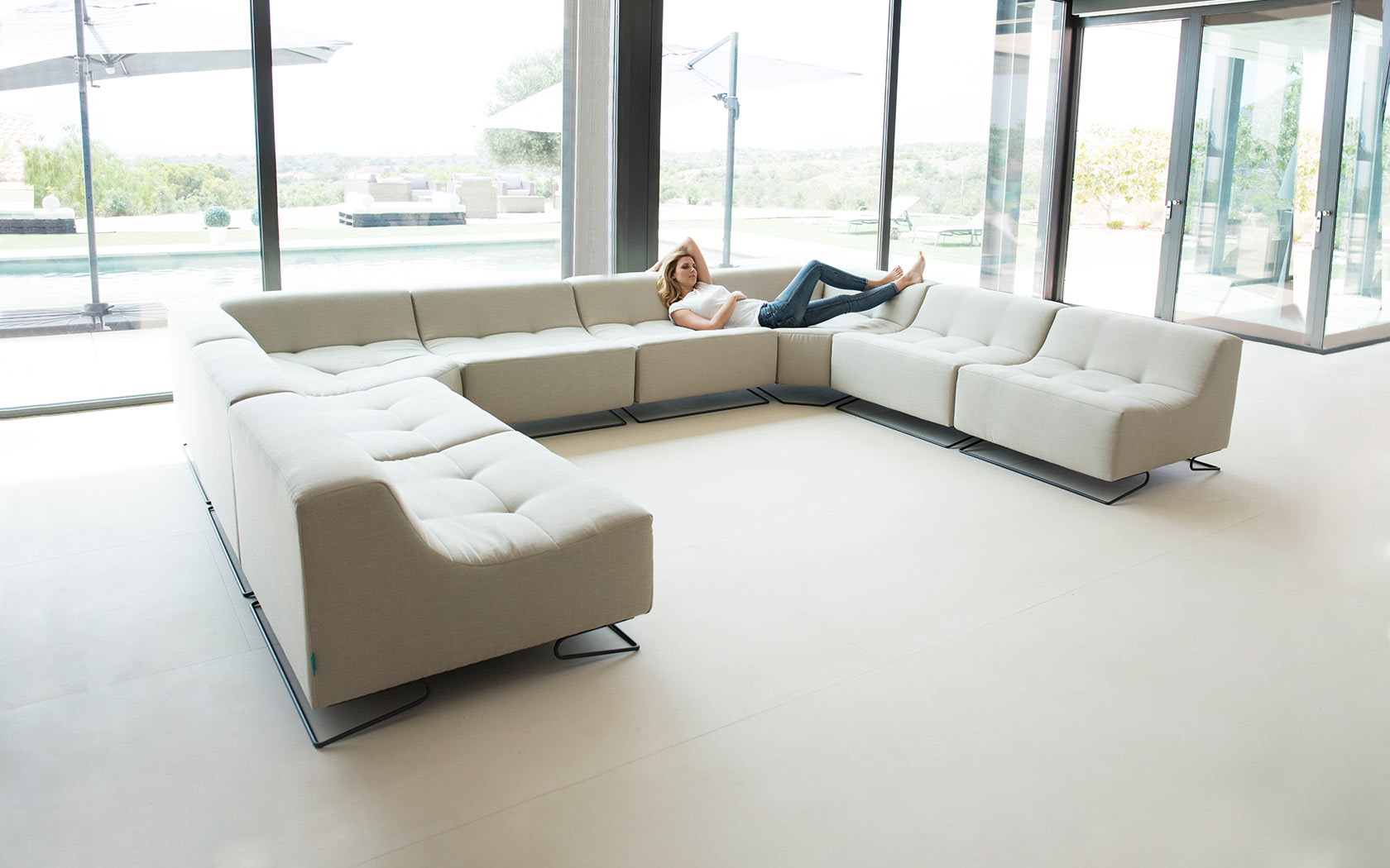 Luci Pop sofa fama 2019 09