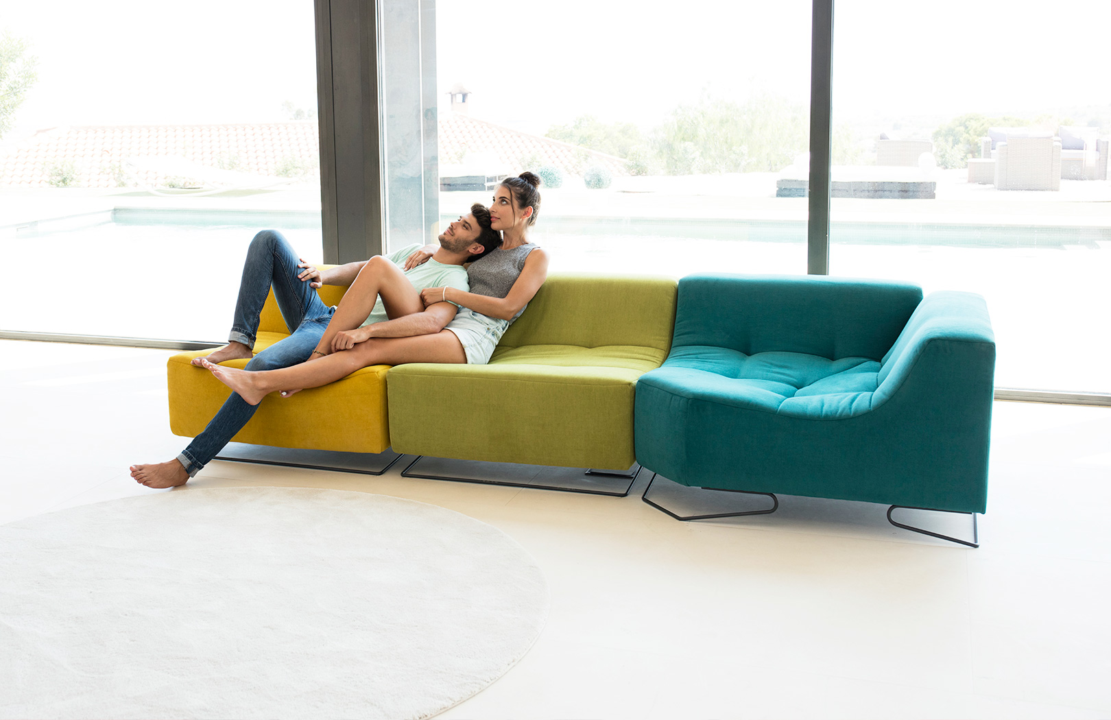 Luci Pop sofa fama 2019 01