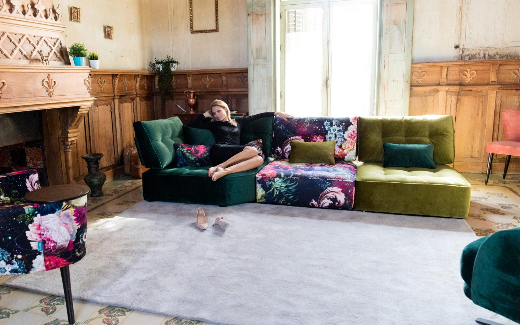 Arianne Love sofa Fama LaLigne29 02