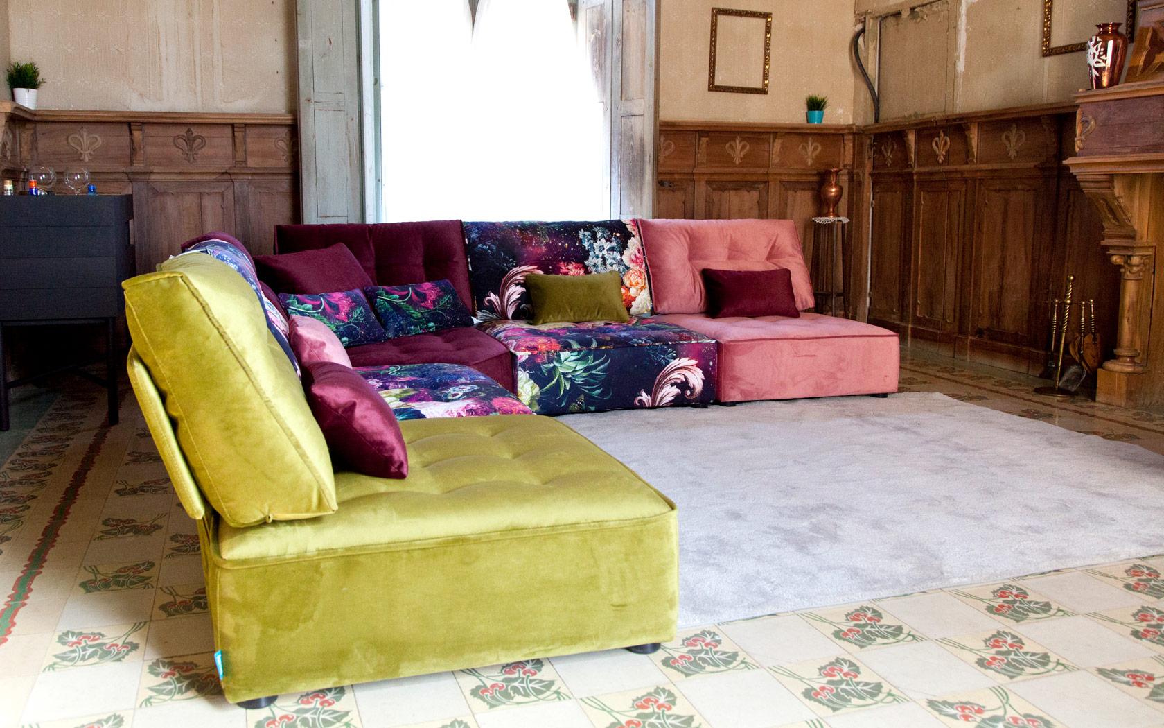 Arianne Love sofa Fama LaLigne29 01
