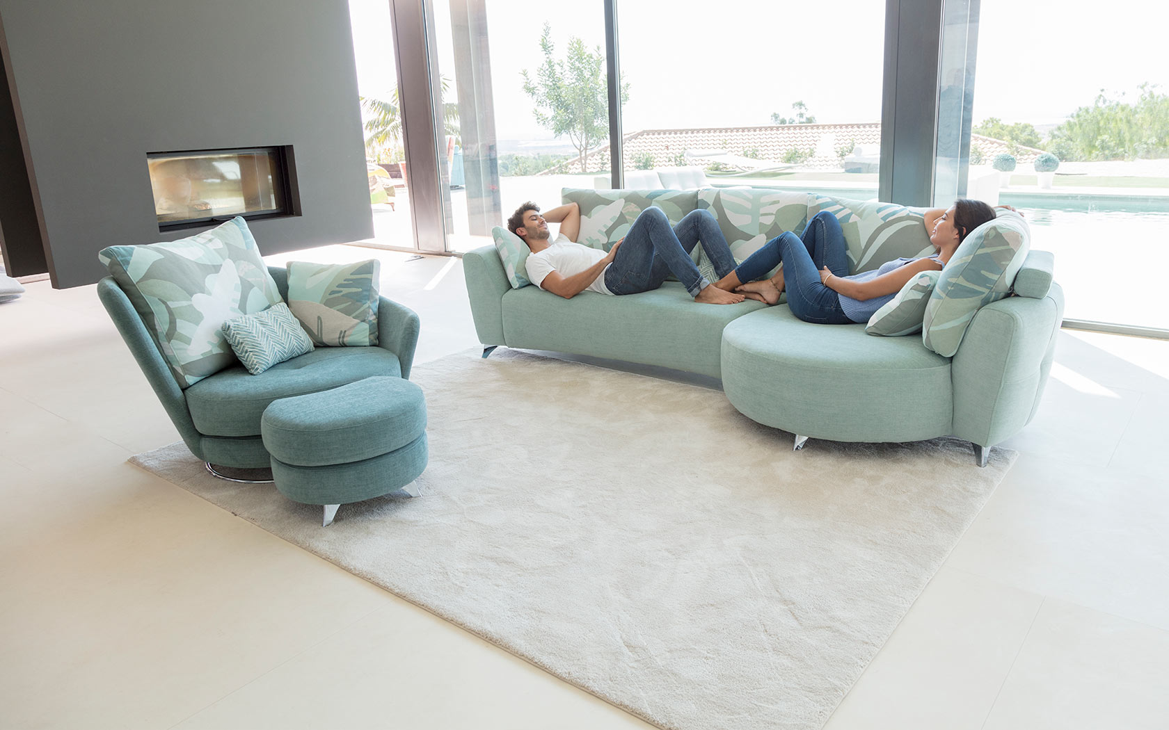 Valentina sofa Fama 2019 03
