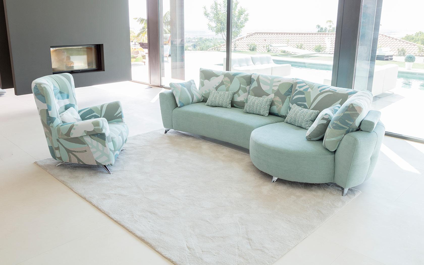 Valentina sofa Fama 2019 04