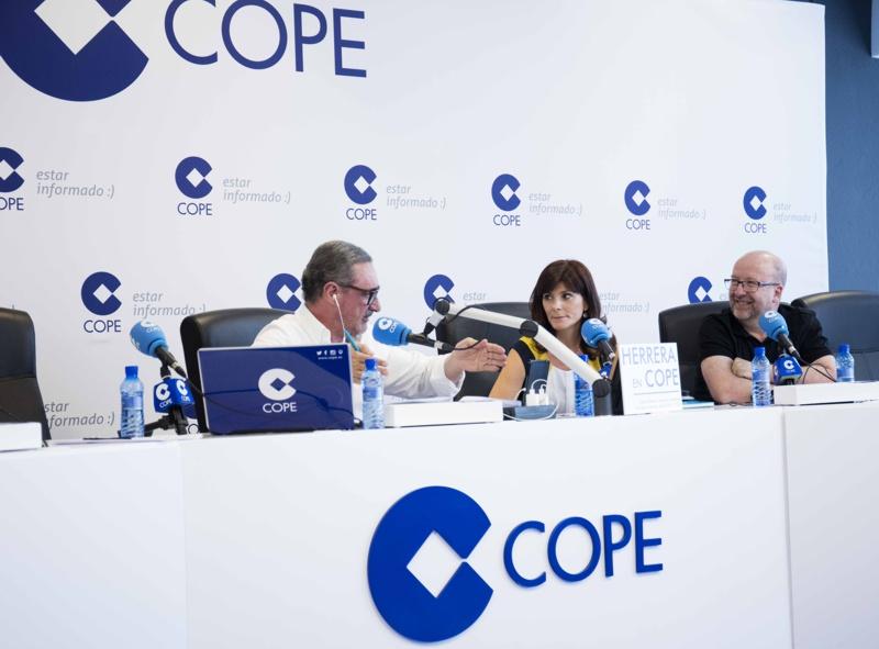 Carlos Herrera entrevistando a Félix y Mariangeles