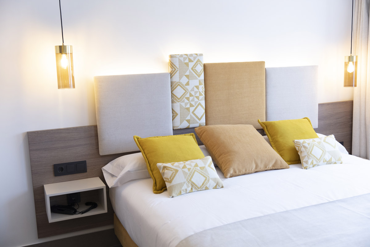 First hotel fully furnished by Fama.